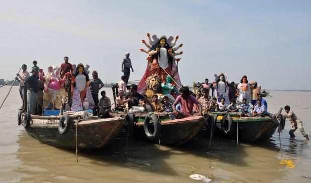 भोपाल में हादसा रोकने क्रेन से होगा दुर्गा प्रतिमाओं का विसर्जन
