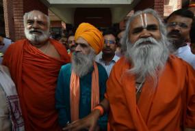 कट्टरवादी लोग ज्यादा बच्चे पैदा कर उन्हें आतंकी बनाते हैं: रामविलास वेदांती