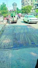 शहर की सड़कों पर जगह-जगह गड्ढों से हो रही दुर्घटनाएं , किसी अफसर पर दर्ज नहीं हुआ मामला