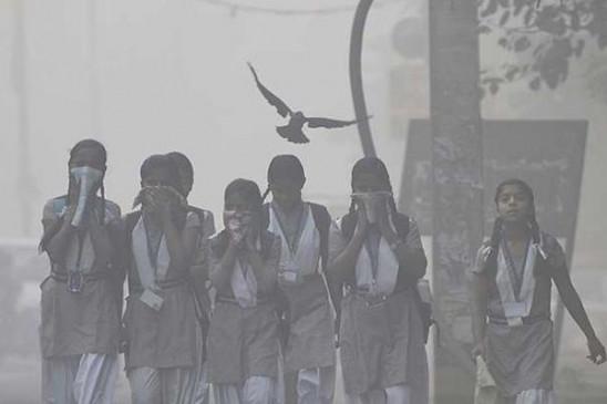 हवा की रफ्तार में कमी की वजह से गैस चैंबर बनी दिल्ली, हवा हुई खतरनाक