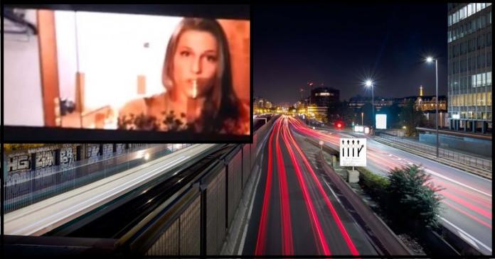 हैकर्स ने हाइवे होर्डिंग पर चलाया पॉर्न वीडियो, लोगों ने किए ट्वीट