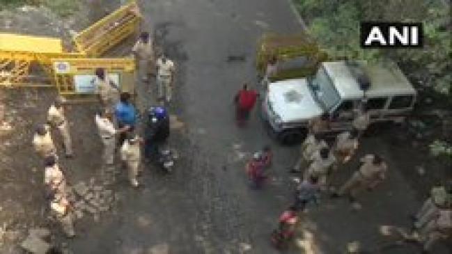 मुंबई: पेड़ों की कटाई पर विरोध, धारा 144 लागू, शिवसेना नेता प्रियंका चतुर्वेदी गिरफ्तार
