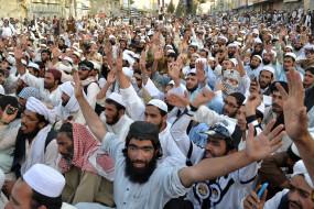 pakistan: इमरान सरकार के खिलाफ इस्लामाबाद पहुंचा आजादी मार्च