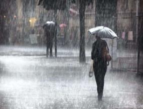 दक्षिण भारत में भारी बारिश और तूफान का अलर्ट, 6 जिलों के स्कूल-कॉलेज बंद