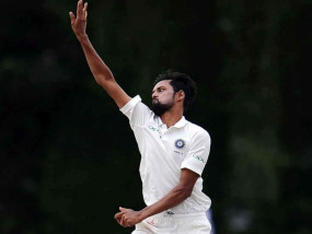 India vs S. Africa: रांची की रण से पहले चोटिल कुलदीप बाहर, शाहबाज को मिला मौका