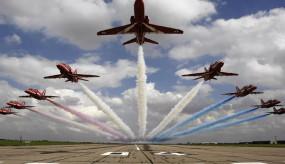 AIR FORCE DAY: आसमान में दिखा भारत का दम, वायुवीरों ने दिखाई सेना की ताकत