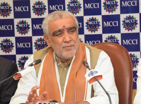 बिहार में केंद्रीय मंत्री अश्विनी चौबे पर फेंकी गई स्याही