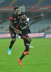 आईएसएल-6 : ओडिशा को 2-1 से हराकर नॉथईस्ट एफसी ने जीत का खाता खोला