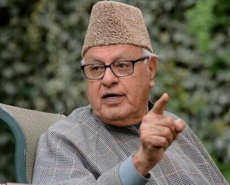 जम्मू-कश्मीर: फारूक अब्दुल्ला गिरफ्तार, न्यायिक हिरासत में भेजी गई बेटी साफिया