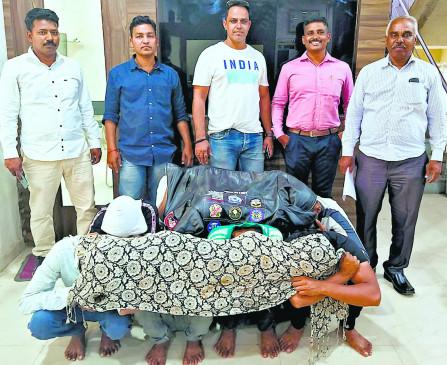 आए दिन वाहनों के कांच फोड़ते थे, पुलिस ने गिरोह के 10 सदस्यों को पकड़ा