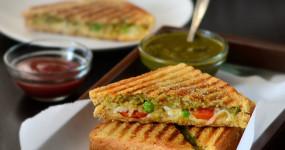 हल्की भूख के लिए घर पर बनाएं बॉम्बे स्टाइल मसाला टोस्ट सैंडविच