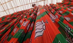 महाराष्ट्र : सरकार बनाने में शिवसेना के साथ फंसा पेच, भाजपा की बैठक बुधवार को