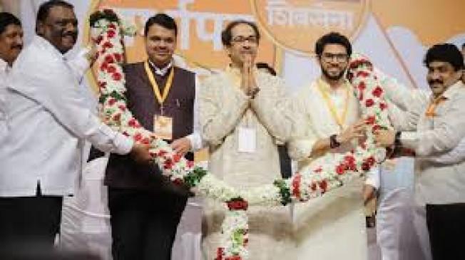 महाराष्ट्र के चुनावी रण में उतरे हैं यह दिग्गज और उनके रिश्तेदार