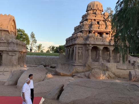 मोदी ने जिनपिंग को कृष्ण का माखन लड्डू दिखाया