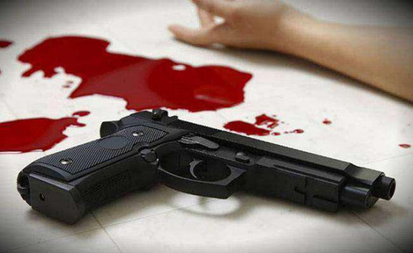 मुंबई : राजभवन में तैनात एसआरपीएफ जवान ने खुद को गोली मारी, एप डाउनलोड करने से साफ हुआ बैंक खाता