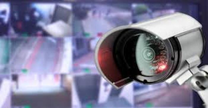 सीसीटीवी कैमरे की मदद से पुलिस ने बच्ची को ढूंढ निकाला, गुस्से में घर से थी भागी