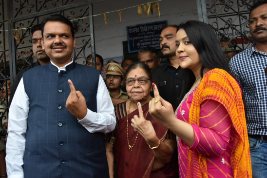 नागपुर : दो दिग्गजों के गढ़ में वोटिंग परसेंटेज गिरा, शांतिपूर्ण रहा मतदान
