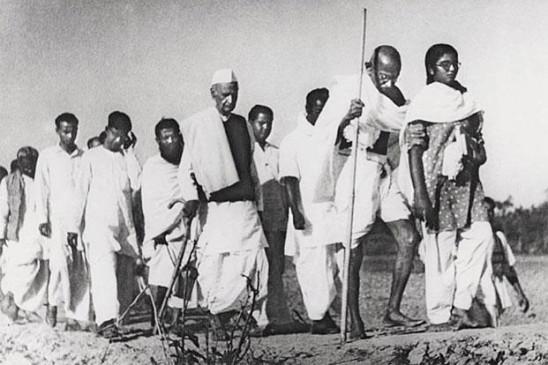बापू ने देखा था एकता की नींव पर राष्ट्र की इमारत का सपना, धर्म को नहीं मानते थे नागरिकता का आधार