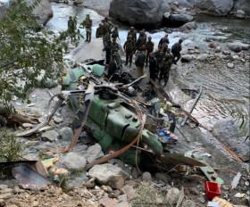 सेना के हेलीकॉप्टर की फोर्स-लैंडिंग, लेफ्टिनेंट जनरल रणबीर सिंह भी थे सवार