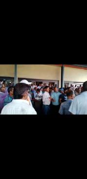 अधिकारी ने कर्मचारी को जड़ा थप्पड़ , यूनियन्स ने किया घेराव , माफी भी मंगवाई