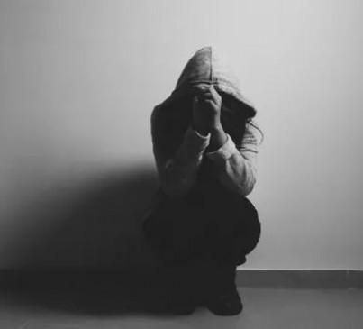 चौंकाने वाली रिपोर्ट : दुनिया में 40 सेकेंड में एक आत्महत्या