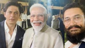 पाकिस्तान : मोदी की पहल के समर्थन पर शाहरुख-आमिर से नाराज