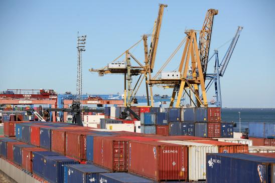 पाकिस्तान : कारोबारी परेशान, कंटेनर मार्च रोकने में लगे, सामान किसमें निर्यात करें!
