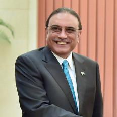 पाकिस्तान : पूर्व राष्ट्रपति जरदारी के पास 100 से अधिक हथियार