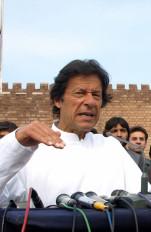 लोगों में सब्र नहीं, पूछते हैं कहां है नया पाकिस्तान : इमरान