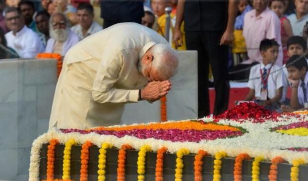 NYT में PM मोदी ने 'बापू' पर लिखा लेख, बताया- क्यों है गांधी की जरूरत