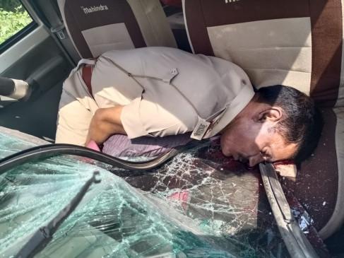 पुलिस उपनिरीक्षक का वाहन ट्रक से टकराया - स्थल पर ही मौत