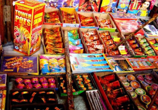दिवाली पर सबसे अधिक बढ़ जाता है पोल्यूशन ,पटाखों से वायु और ध्वनि प्रदूषण
