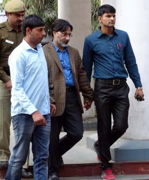 संसद पर हमले के आरोप से बरी प्रो. गिलानी का दिल्ली में निधन