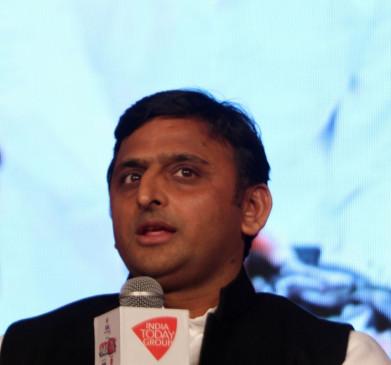 पुष्पेंद्र यादव एनकाउंटर : सपा और झांसी पुलिस में ट्विटर वार