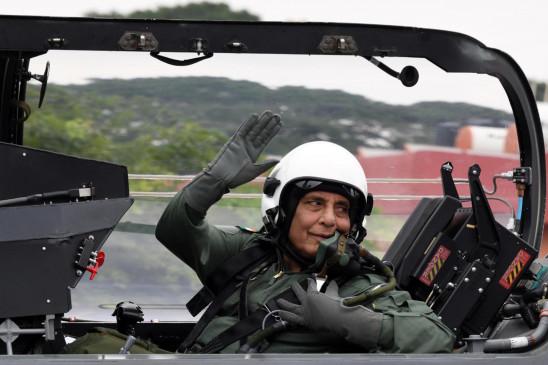 दशहरे पर फ्रांस में राफेल के साथ शस्त्र पूजन करेंगे रक्षामंत्री