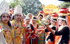 अयोध्या में दीपोत्सव से पहले झांकियों, शोभायात्रा में दिखा रामलीला का चित्रण