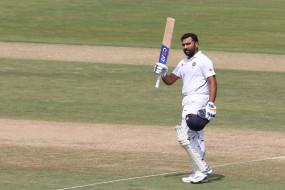 रोहित ने की द्रविड़ की बराबरी, घरेलू मैदान पर लगातार सबसे ज्यादा टेस्ट अर्धशतक लगाने वाले बल्लेबाज बने