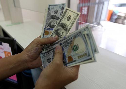 डॉलर के मुकाबले 8 पैसे कमजोरी के साथ खुला रुपया