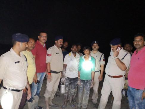 शाहपुर फ्लाईऐश डैम फूटा, प्रशासन अलर्ट - लोगों में दहशत