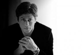 दूरदर्शन के लिए एंकरिंग करते हुए शाहरुख का पुराना वीडियो वायरल