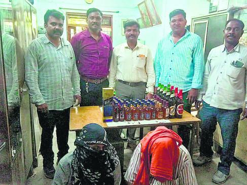 ढाबे में भोजन के साथ परोसी जा रही विदेशी शराब, पुलिस ने छापा मारकर जब्त किया माल