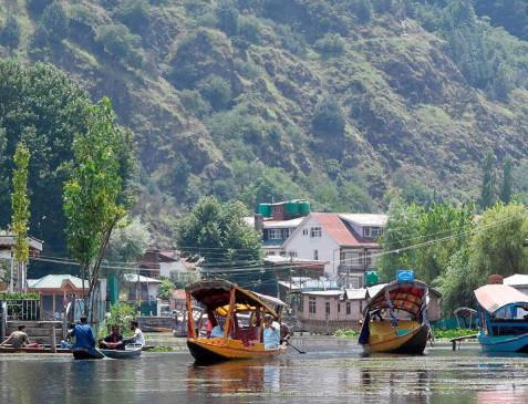 सर्वे: अधिकांश पाकिस्तानी नहीं मानते कश्मीर को बड़ा मुद्दा