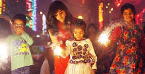 तमिलनाडु: दिवाली में सिर्फ सुबह 6-7 और शाम 7-8 बजे तक फोड़ सकेंगे पटाखे