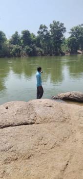 परिवार के साथ पिकनिक मनाने गया युवक नदी में डूबा, पुलिस व रेस्क्यू टीम कर रही तलाश