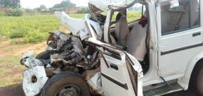 ट्रक नेे जीप को टक्कर मारी - पांच लोगों की मौत, एक गंभीर
