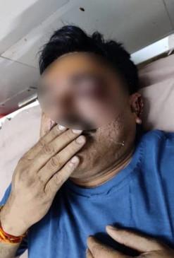 उप्र : खनन माफिया ने एसएचओ पर हमला कर कार लूटी