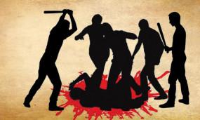 उप्र : भीड़ ने हत्यारोपी पति को पुलिस के सामने मार डाला