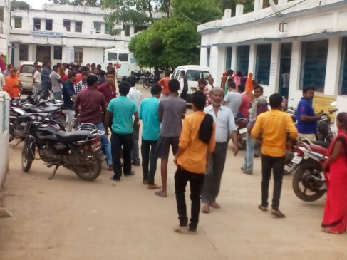 नागौद थाने में युवक की मौत पर हंगामा- टीआई लाइन अटैच , 8 पुलिसकर्मी सस्पेंड