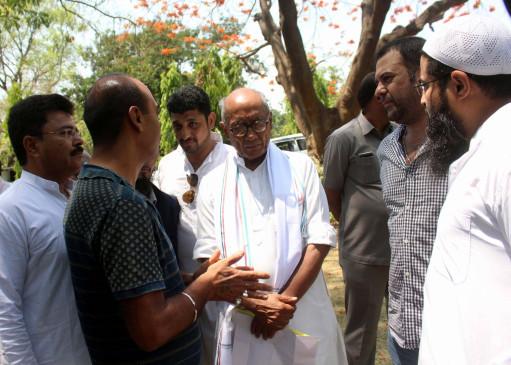 विहिप को देशद्रोहियों से सहानुभूति है तो खुलकर पैरवी करे : दिग्विजय