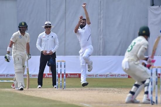 विशाखापट्टनम टेस्ट : भारत ने दक्षिण अफ्रीका को 203 रनों से हराया